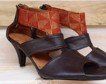dark brown leather heels with red-gold pagne on top band