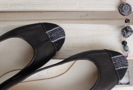 dark brown leather ballet flats with small pagne on toe