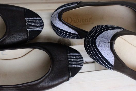 assortments of pagne on ballet flats